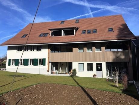 Ausgebaute Scheune mit 2 Terrassengauben, nach Fertigstellung, Südansicht