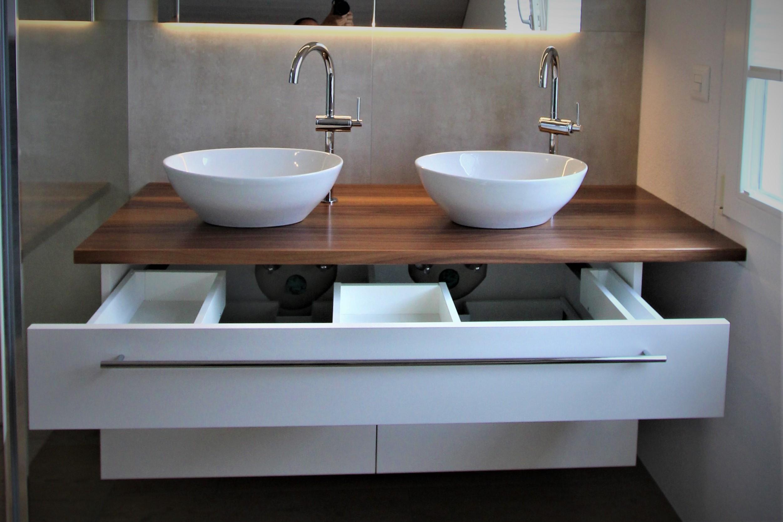 Badezimmermöbel mit Schubladen